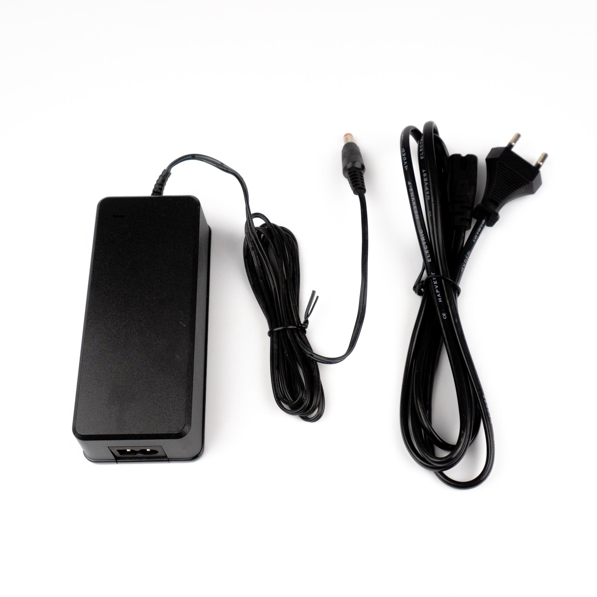 LED Adapter Tápegység Műanyag Házas 12V 5A 60W LP-5A