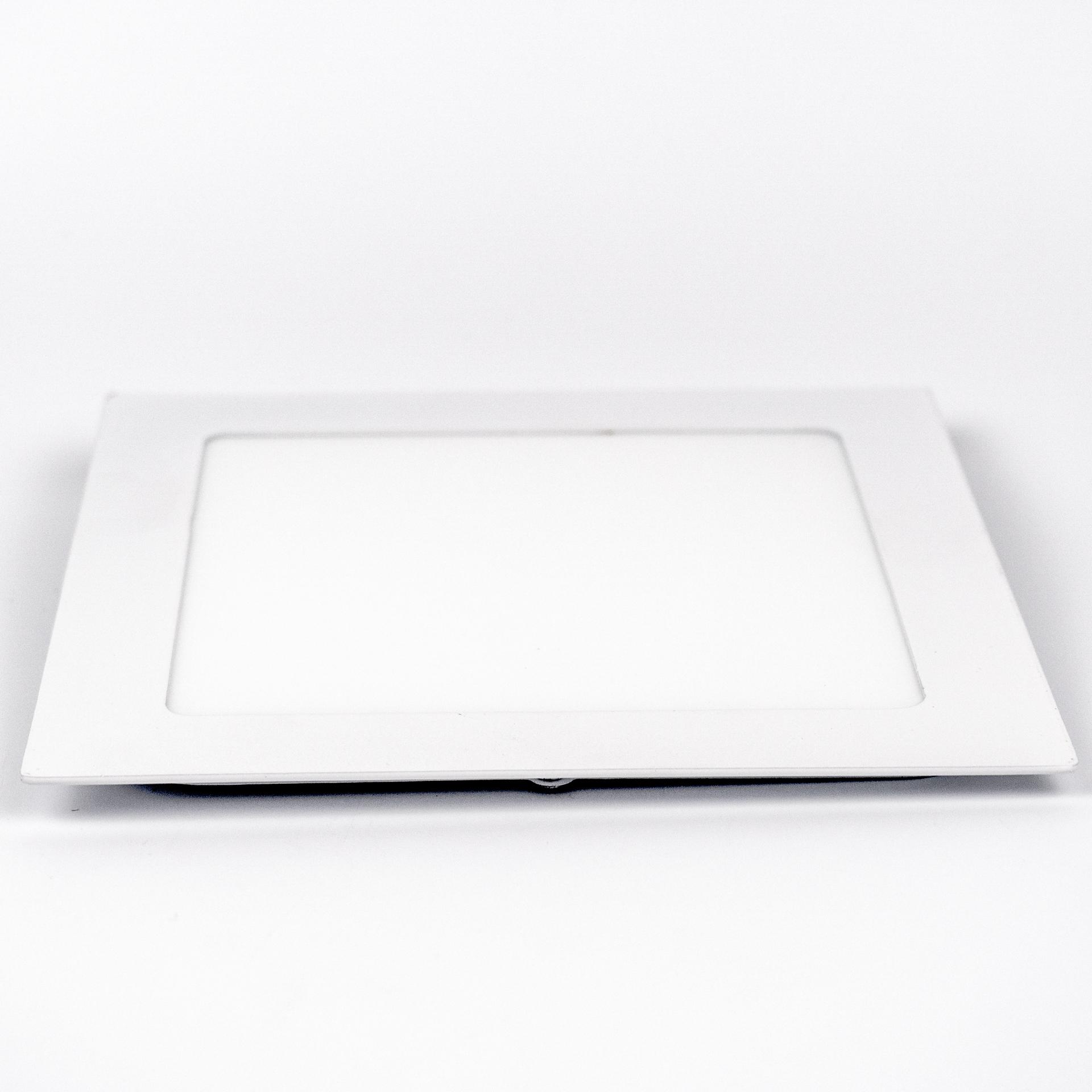 LED Panel Süllyeszthető 12W Négyzet Meleg Fehér LPA-V12N