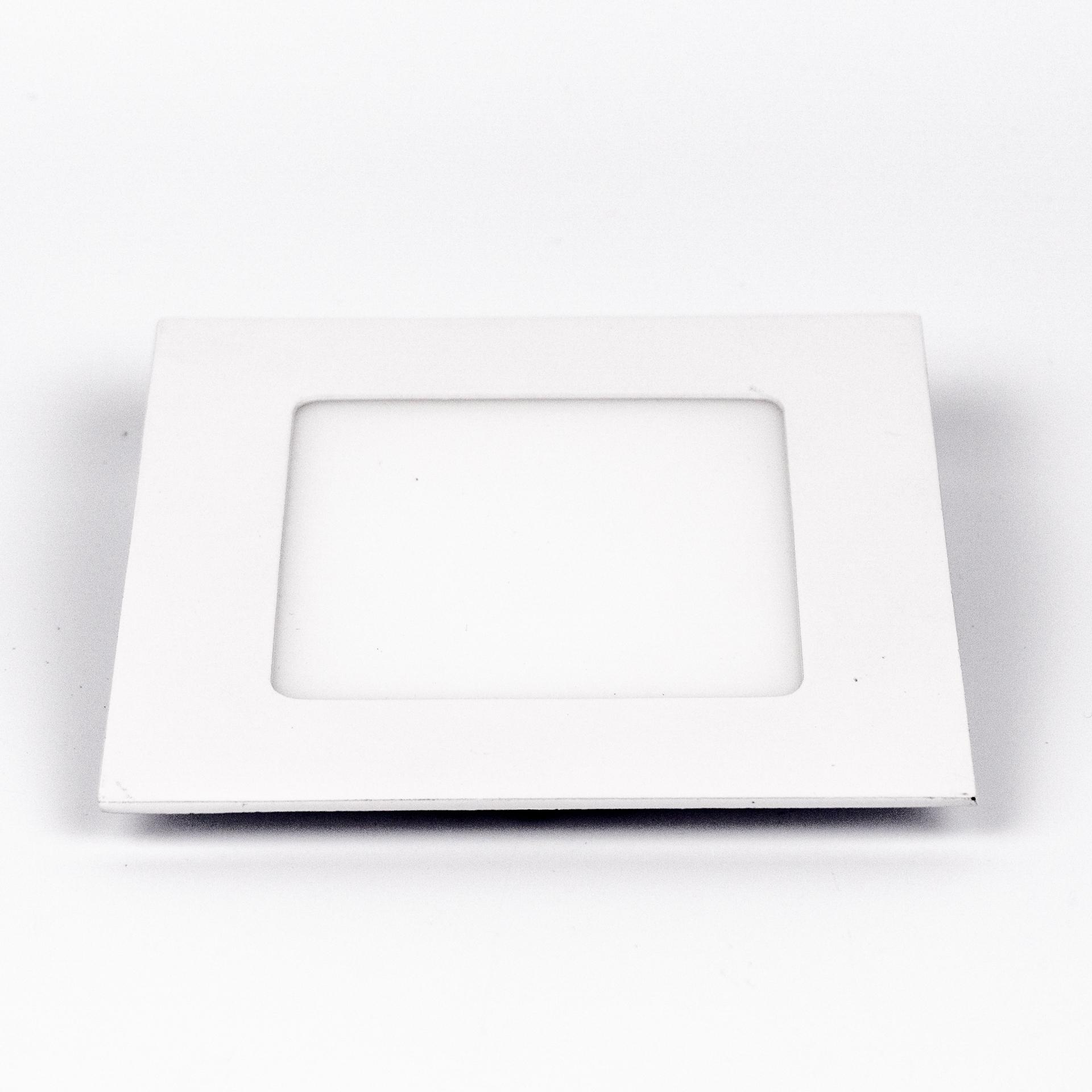LED Panel Süllyeszthető 6W Négyzet Meleg Fehér LPA-V6N